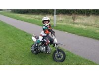 Stomp 110 mini pit semi auto 1 hour use from new 2016 pit bike motocross kids crf 50