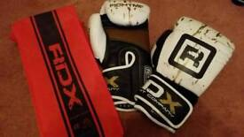 Mens boxing gloves