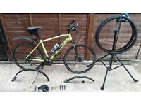 Specialised Hybrid Trek Dual Sport 8.3 ds 2016 bicycle with many accessories