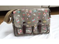 Messenger Satchel Style Cup Cakes Design Ideal for casual, school, college etcs