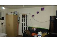 Spacious 2 Double Rooms available in same house Rent £450/550 (All bills inclusive)