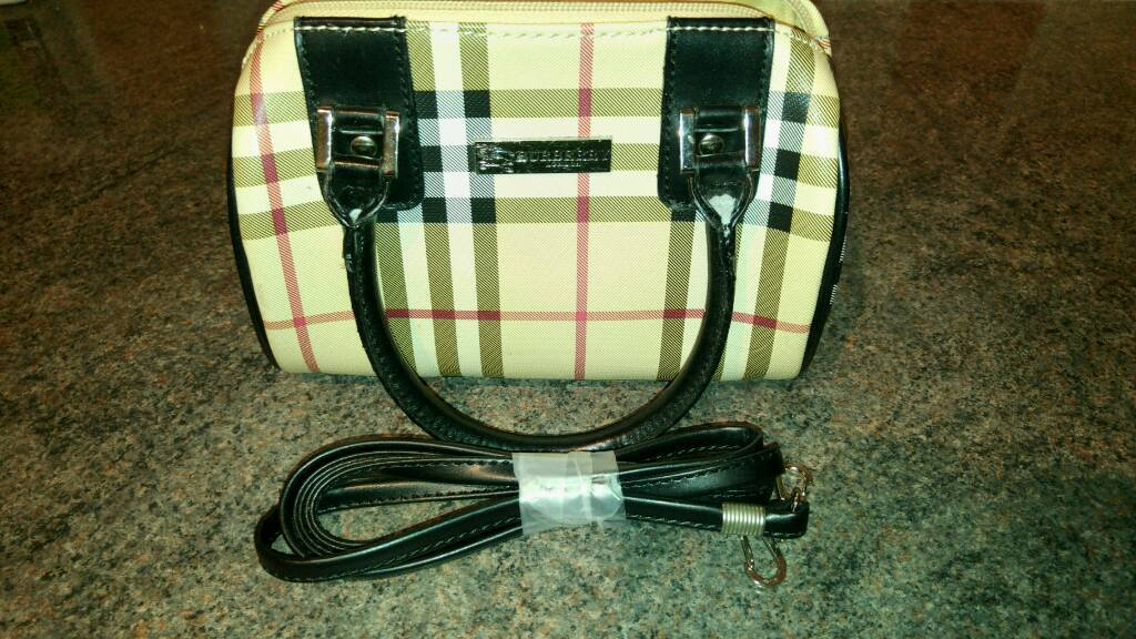 Burberry Genuine Brand new clutch bag