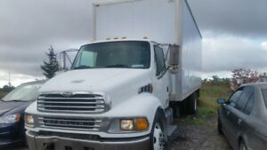 2005 STERLING TRUCK 24ft BOX EXCELLENT CONDITION