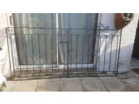 Set of Double driveway gates (£100 ONO)