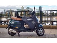 Vespa ET4, Racing green, low milage, lovely runner, with extras
