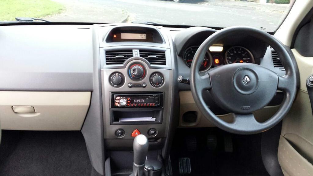 Renault Megane Interior 2006 Renault Megane 2006 1 6 Petrol