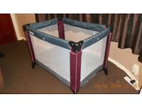 mamas and papas travel cot with mattress