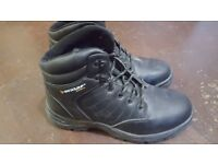 safety boots size 10, like new quick sell