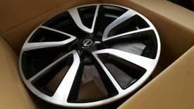 Nissan 19 inch alloy wheels x 4