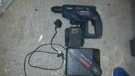 Bosch sds gun. One battery and charger
