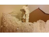 White PEARL wedding dress size UK14-16 / US13-14 - ONLY £200!!