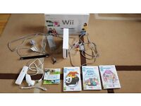 Nintendo Wii, Controllers And Games (LIKE NEW) MUST SEE
