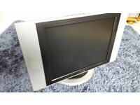 "Portable UMC 15"" LCD/TV and or Monitor"