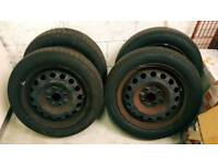 Set of steel wheels and tyres