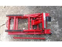 Hydraulic Bike lift, Harley, Triumph, Yamaha, Honda etc. Cruisers, choppers etc.