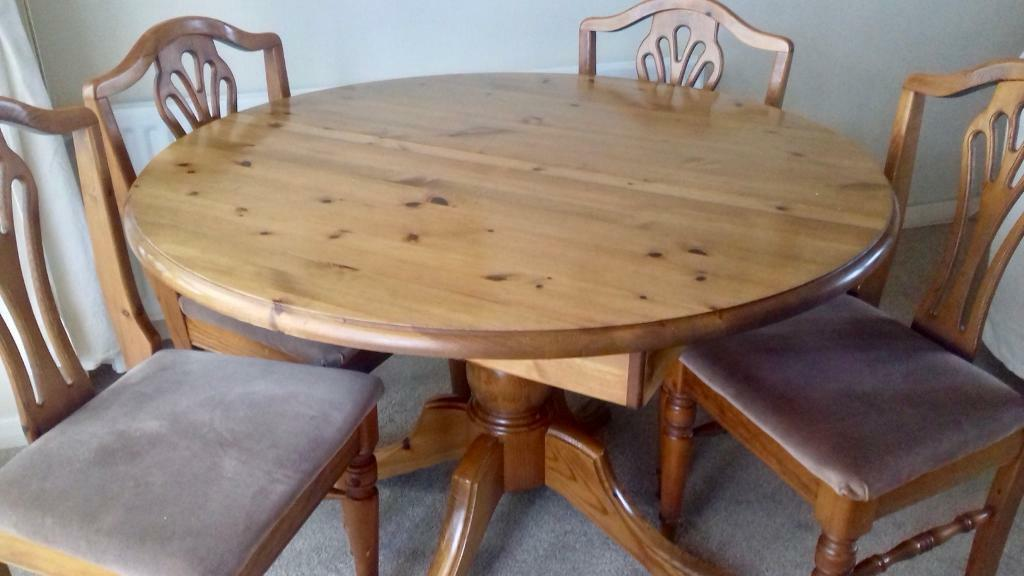 Ducal Victoria Extendable Dining Table And Four Chairs