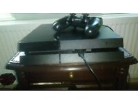 500GB Sony Playstion 4 + leads + controller + 3 Games.