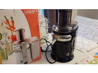 Lequip Xl juicer + 2 books+2dvds