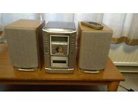 Sanyo Mini Hifi system with Speakers