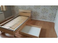 Single Bed. Wooden and metal Gautier frame