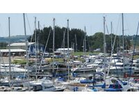 2-bed, both en-suite Marina Cottage in Island Harbour, Isle of Wight, garden, unfurnished. Parking