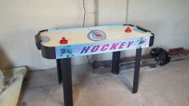 Electric air hockey table £10 for quick sale