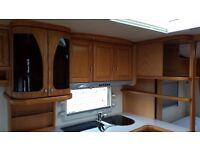 Caravan Hobby Prestige 560 2005 Fixed bed