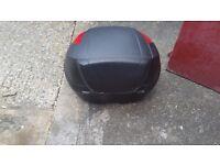 Givi monolock top box, great condition