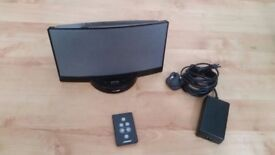 Bose Sounddock Black Docking Station iPhone iPod Speakers. plus remote control and uxilisr adaptor