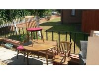 Round Drop Leaf Dining table and 4 Chairs