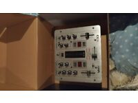 TT1650 Numark turntables x2 (including mixer and cables etc).