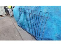 Garden Wrought iron rail / fencing hooped top