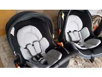 2 Mamas & Papas rear facing portable car seats. Excellent condition. £ 40 each or £ 75 the pair