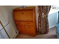 TV Stand & Matching Sideboard\Drinks Cabinet