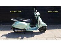 VESPA GT125 SCOOTER (VINTAGE GREEN / PISTACHIO GREEN) *LOOK* £750
