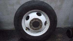 1-8R19.5 Michelin tire with 10-studs Dually' GM rim