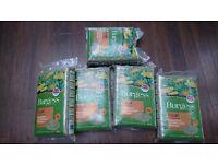 4 +1 bags of Burgess dandelion & marigold timothy hay