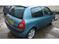 Renault Clio, 1.2 manual, long MOT, alloy wheels, £400