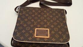 "Louis Vuitton "" Inventuer "" Man Bag"