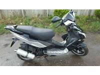 Pulse lightspeed 125 great scooter moped with mot drive away christmas present
