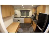 Double rooms available in 3 bed house share brixton area