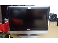 "Panasonic TV 32"" slimline"