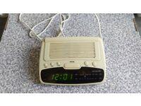 HITACHI radio alarm clock