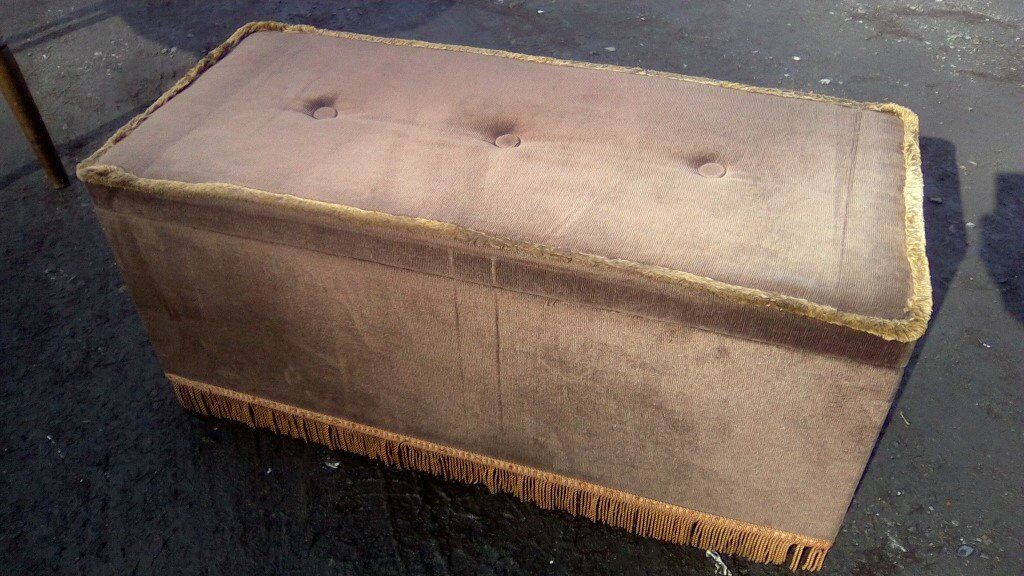 1970s vintage ottoman in great condition