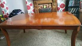 4 /6 seater dinning table