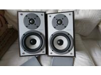 PAIR OF SONY SPEAKERS SS-CSP55 8 OHM TWO-WAY REAR PORT EXCELLENT CONDITION & CABLE