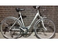 Ladies 6 Speed Hybrid Bike with Front Suspension (Frame Size 54CM) In Like New Condition