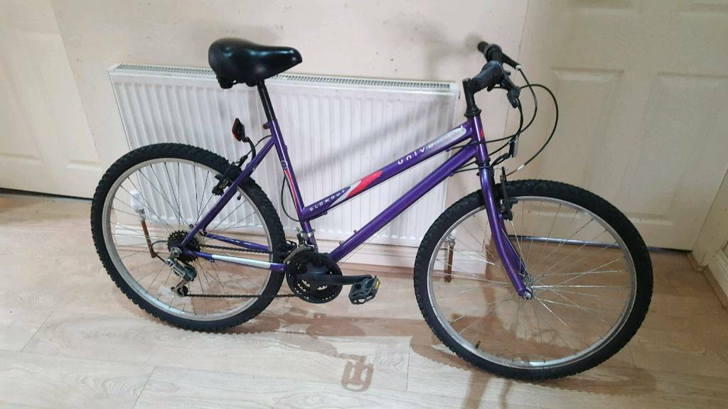 Fantastic 26inch women's universal mountain bike in good