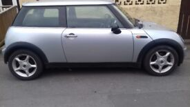 Mini Cooper 2003 Moted till Oct