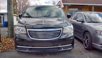 2014 Chrysler Town & Country stowngo